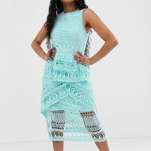 Missguided Petite Exclusive Crochet Lace Dress